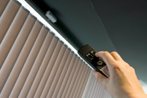 fixing the electronic window blinds