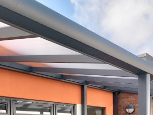 Close up of Spaceshade built in gutter profile