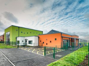 Somerdale Primary School Keynsham showing Spaceshade Canopy matching the RAL 7016 window frames