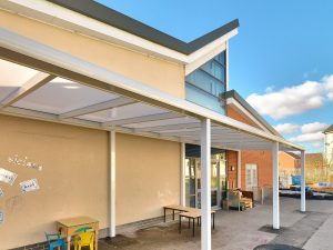 Spaceshade Lux freestanding canopy